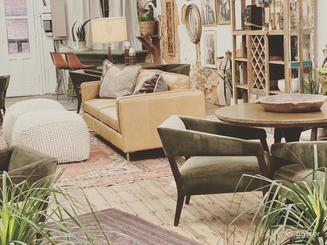 Modern and Eclectic, Warm and Inviting Space Photo 1