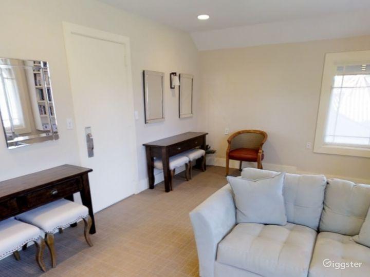 Elegant Lounge Hamden Photo 5