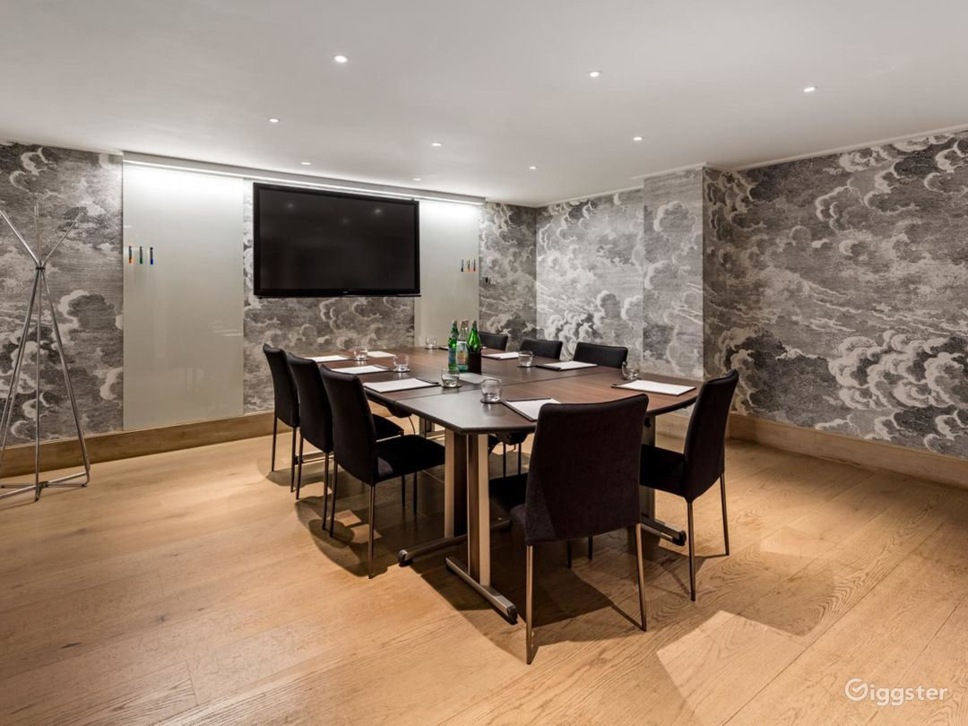Lovely  Private Room 4 in Leicester, Square London Photo 1