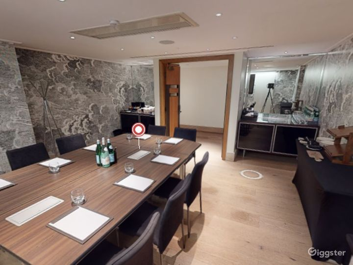 Lovely  Private Room 4 in Leicester, Square London Photo 3