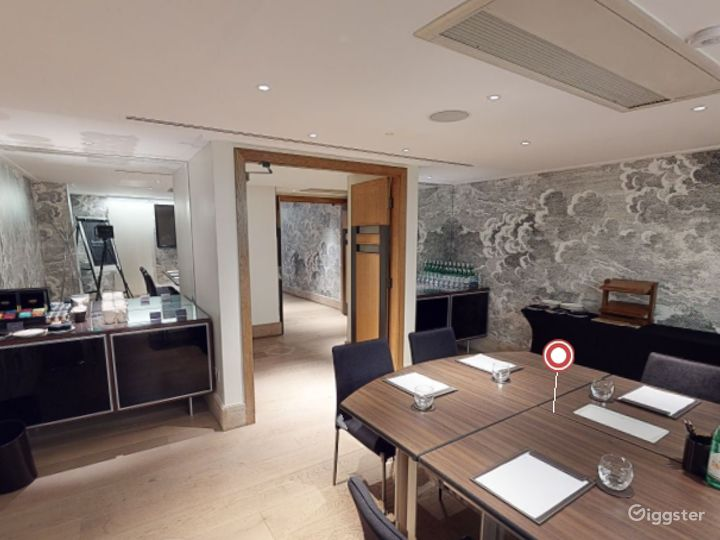 Lovely  Private Room 4 in Leicester, Square London Photo 5