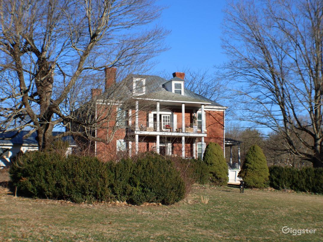 Dupont Manor  Photo 2