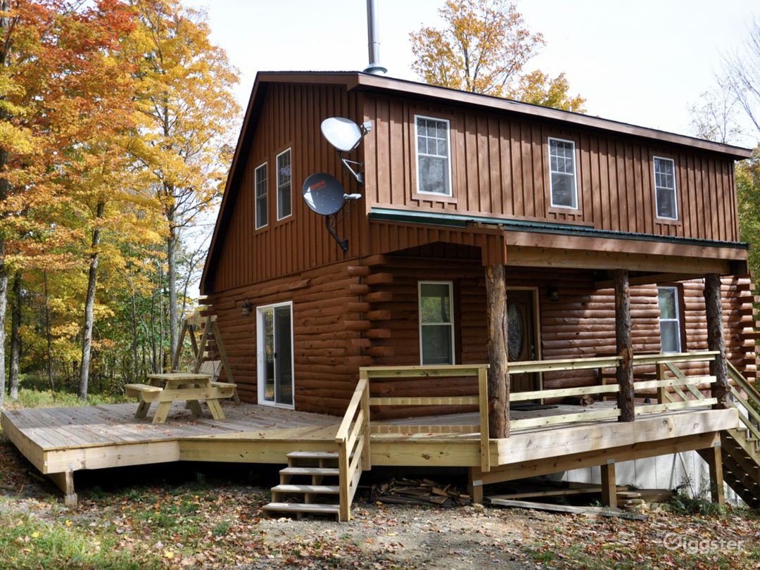 Secluded Custom Log Home in Catskill Mountains Photo 1