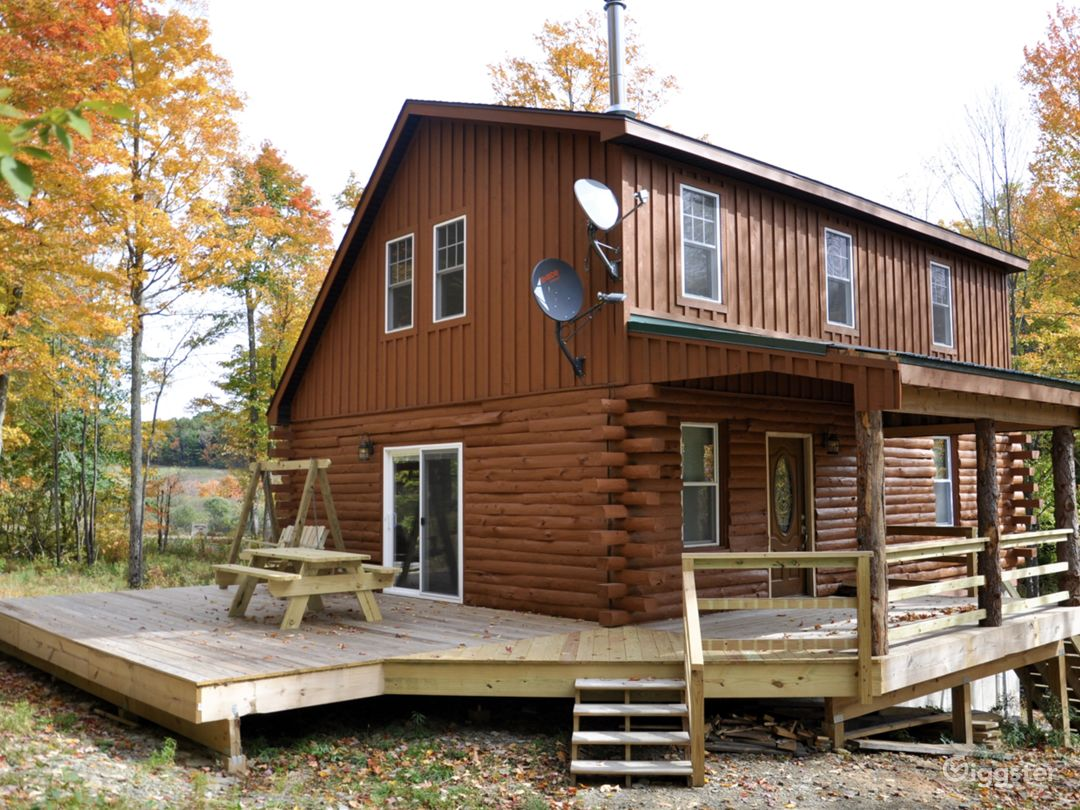 Secluded Custom Log Home in Catskill Mountains Photo 2