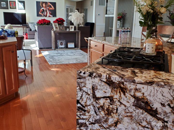 Kitchen Long Granite, waterfall island