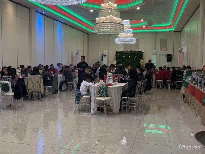 Cozy Ballroom in Newark Photo 4
