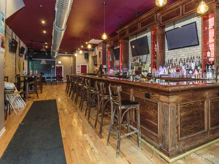 Intimate Bar/Performance Venue