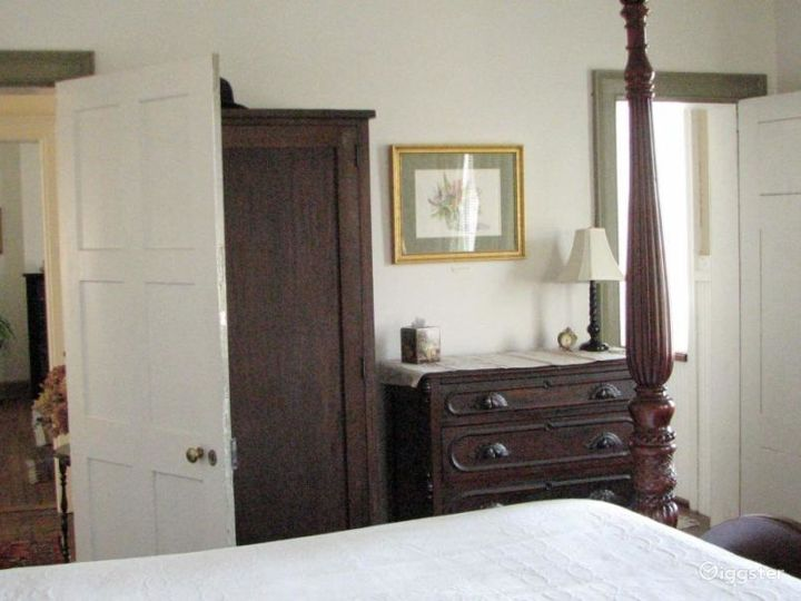 Large traditional country home: Location 4226 Photo 5