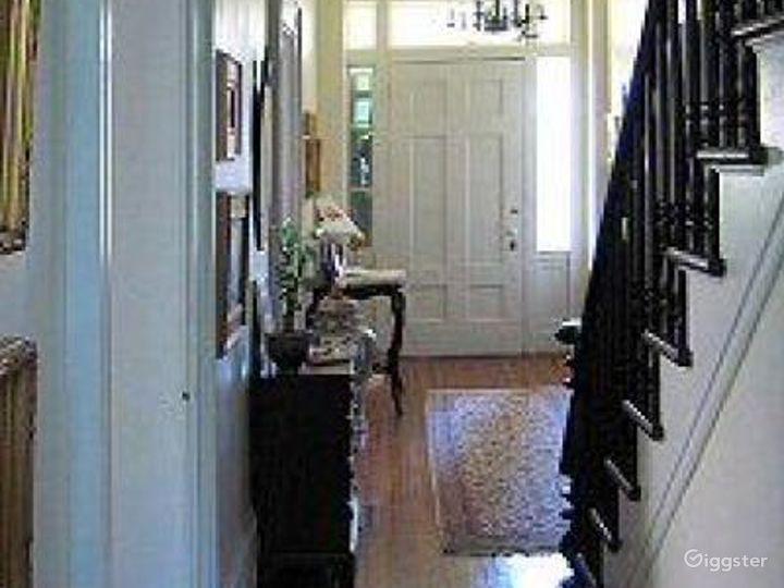 Large traditional country home: Location 4226 Photo 3