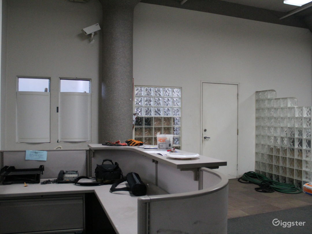 Multipurpose Creative Office Warehouse  Photo 1