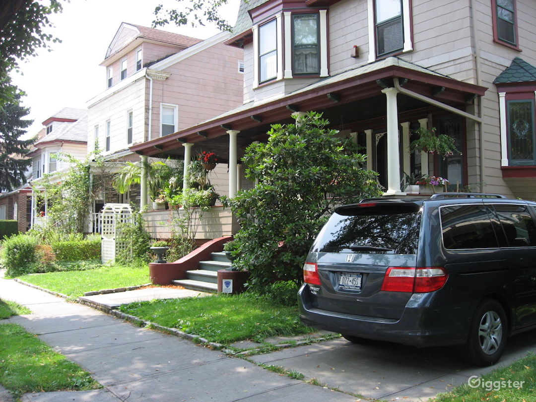 Brooklyn Victorian with bright sunny kitchen Photo 2