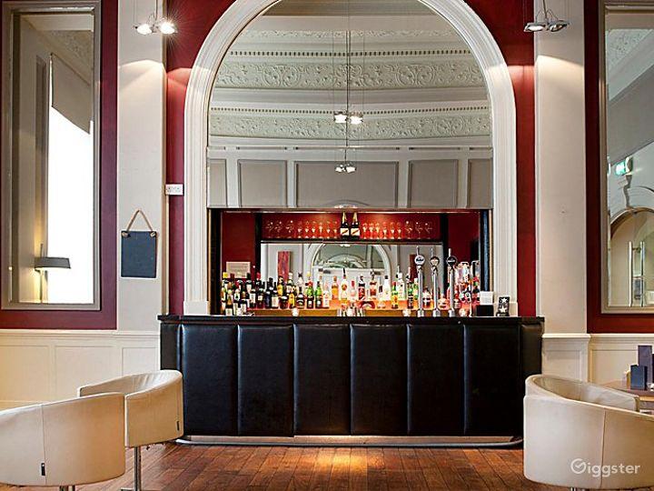 Cosy Bar & Lounge in Leeds Photo 2