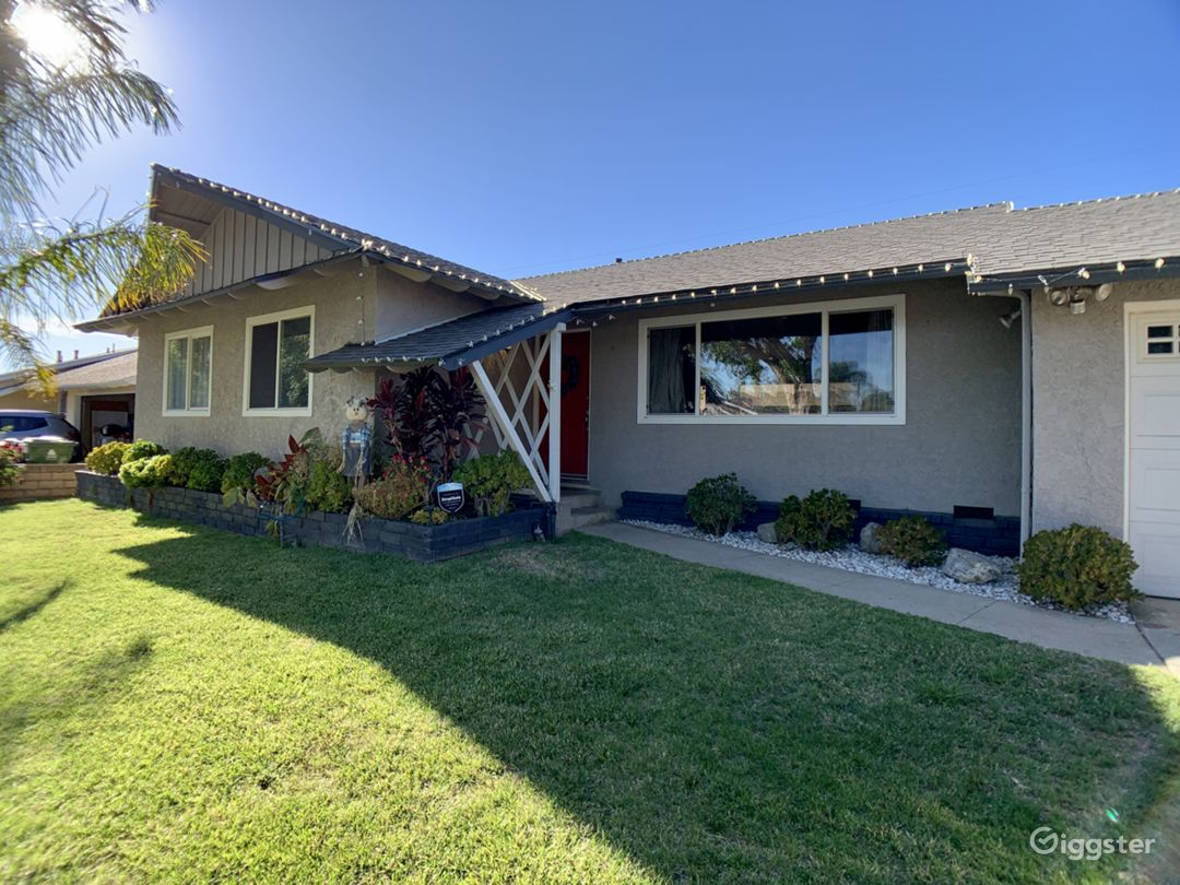 Charming 50s Ranch-style home with guest apartment Photo 1