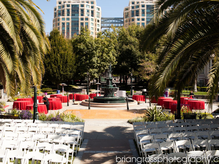 Pavillion and Fountain Circle Social Space in Historic Oakland Park Photo 5
