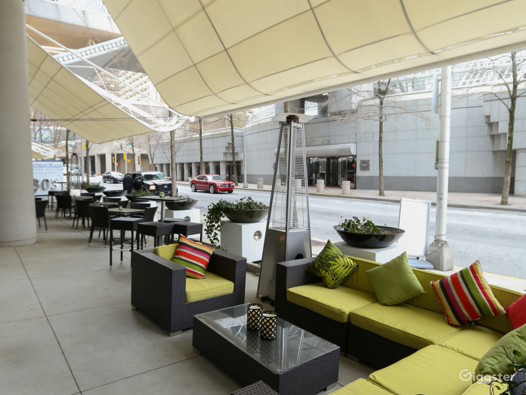Trendy Beach Style Restaurant Space & Street Patio Photo 4