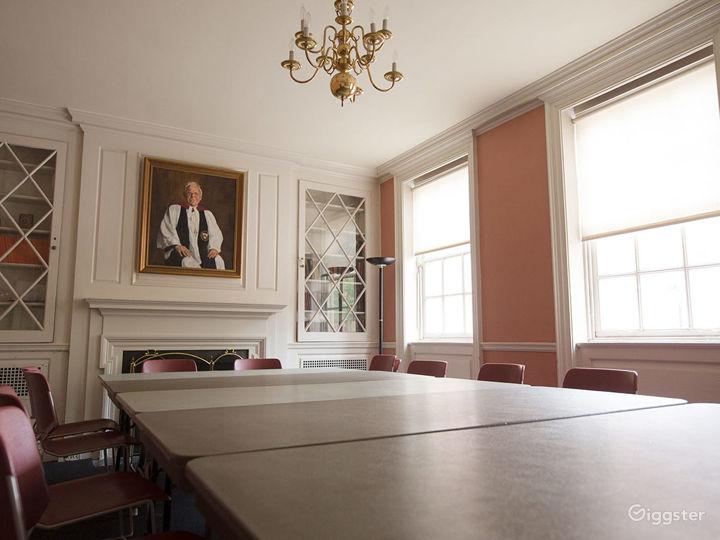 Peaceful Harding Room