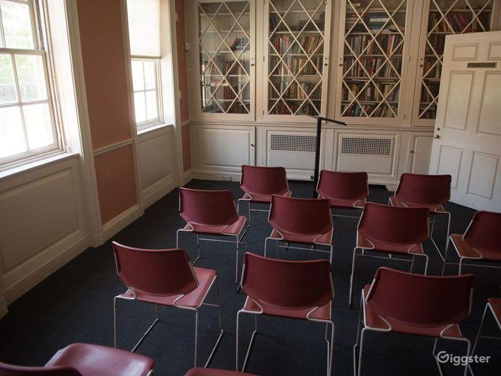 Peaceful Harding Room Photo 2