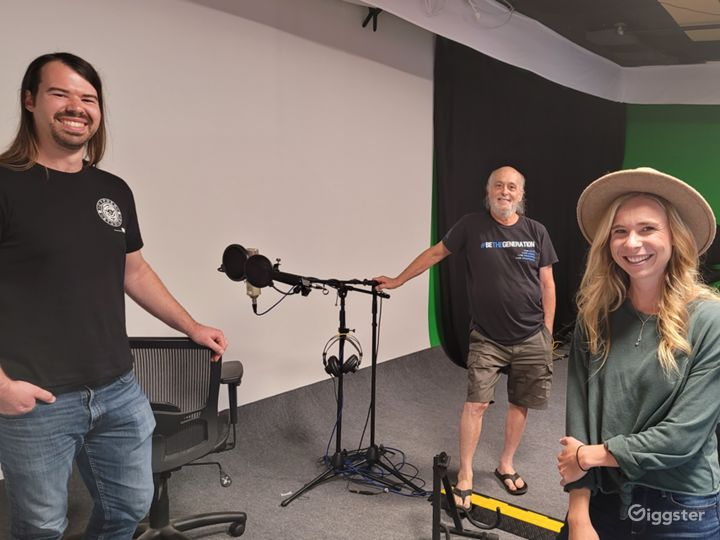 Advanced Podcast Studio Photo 2