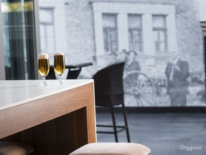 Cozy Bar and Lovely Lounge in Ascot Photo 5