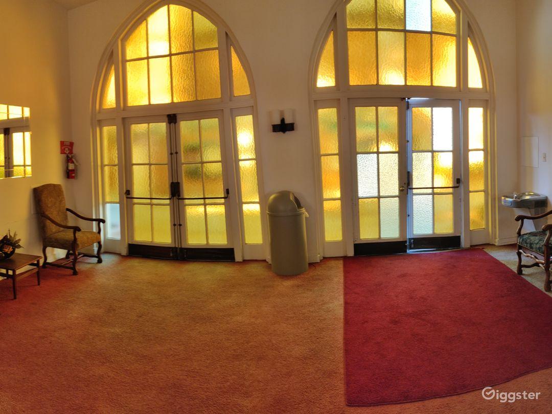 Gorgeous Chapel - Hollywood Photo 2