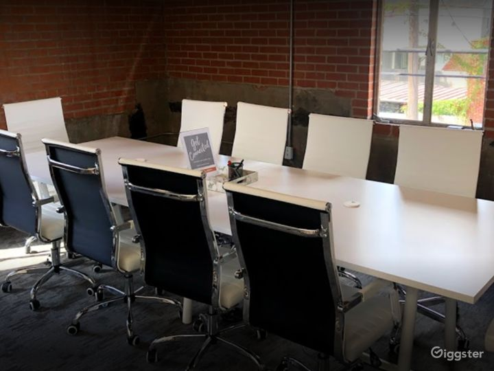 Stylish Private Spaces for Meetings in Houston Photo 2