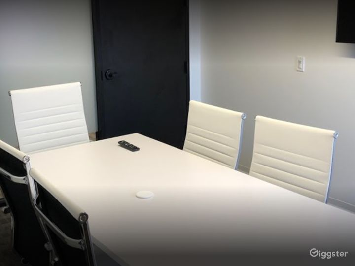Stylish Private Spaces for Meetings in Houston Photo 5