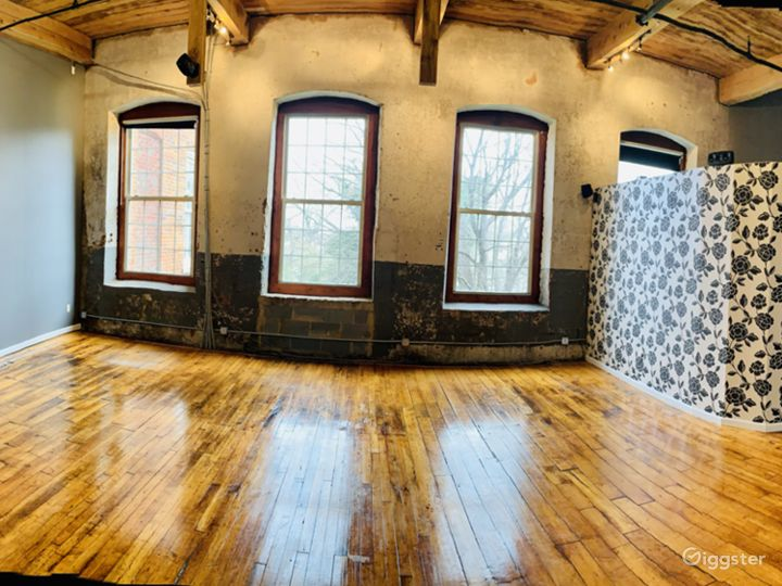 Charismatic Loft In A Historic Mill Building Photo 5