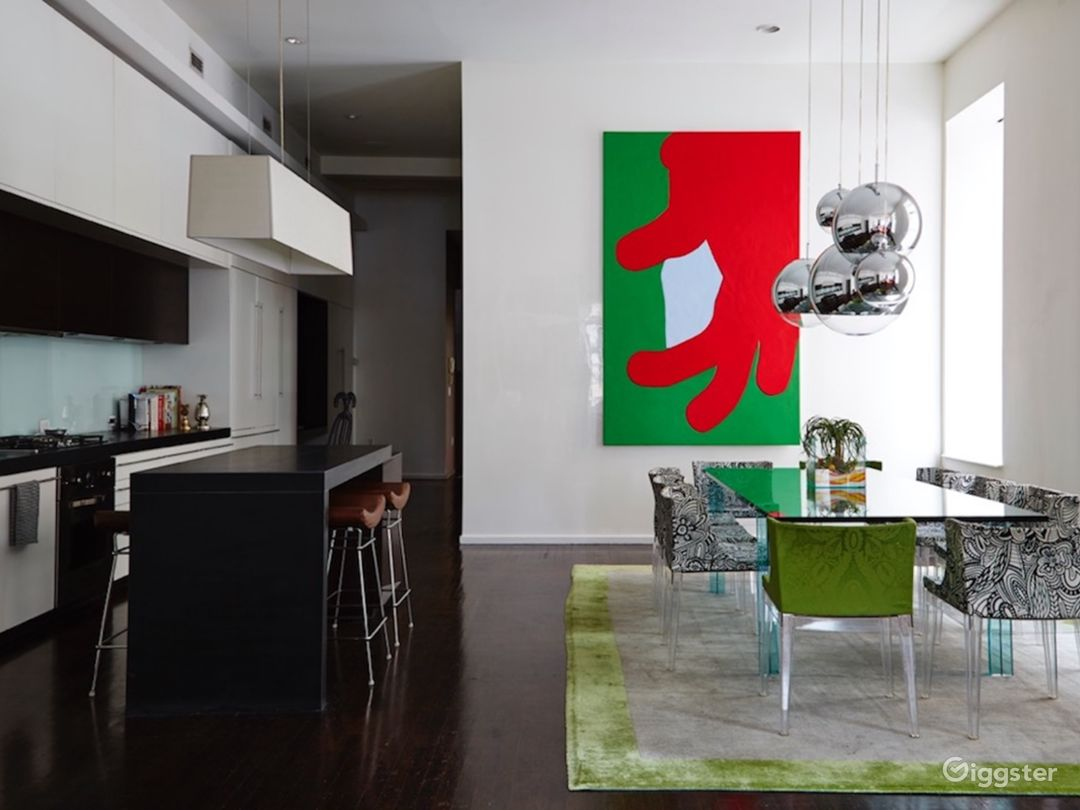 Modern Apartment With Red Interior Accents Photo 4