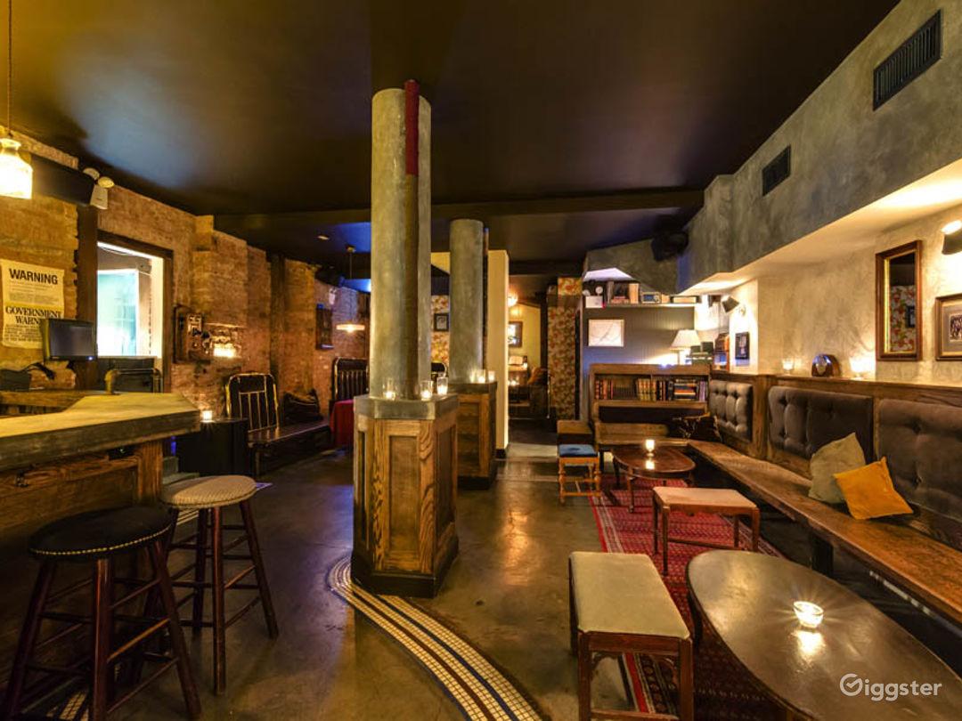 Intimate bar in New York Photo 1
