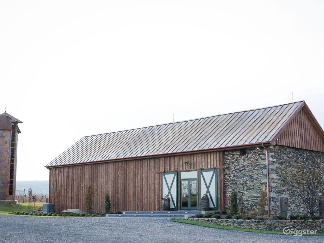 Rustic yet elegant renovated barn on Vineyard  Photo 1