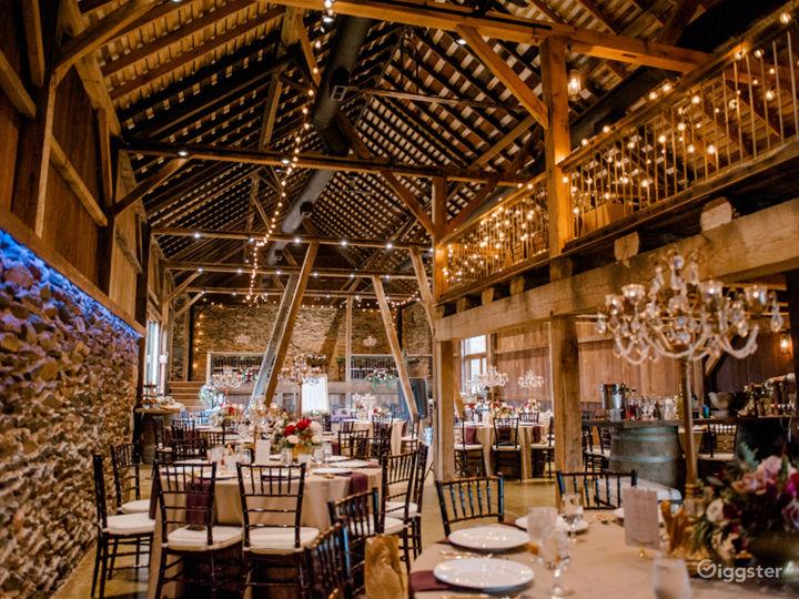 Rustic yet elegant renovated barn on Vineyard  Photo 2