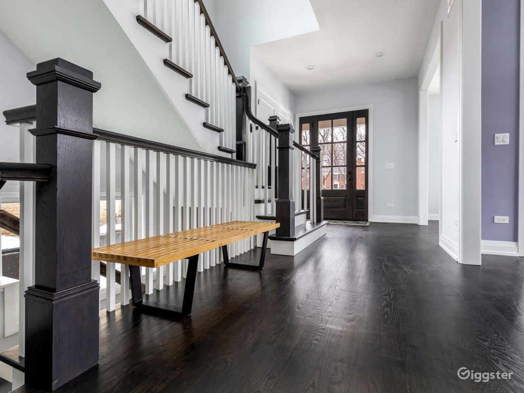 Luxury Home In Upscale Chicago North Shore Photo 2