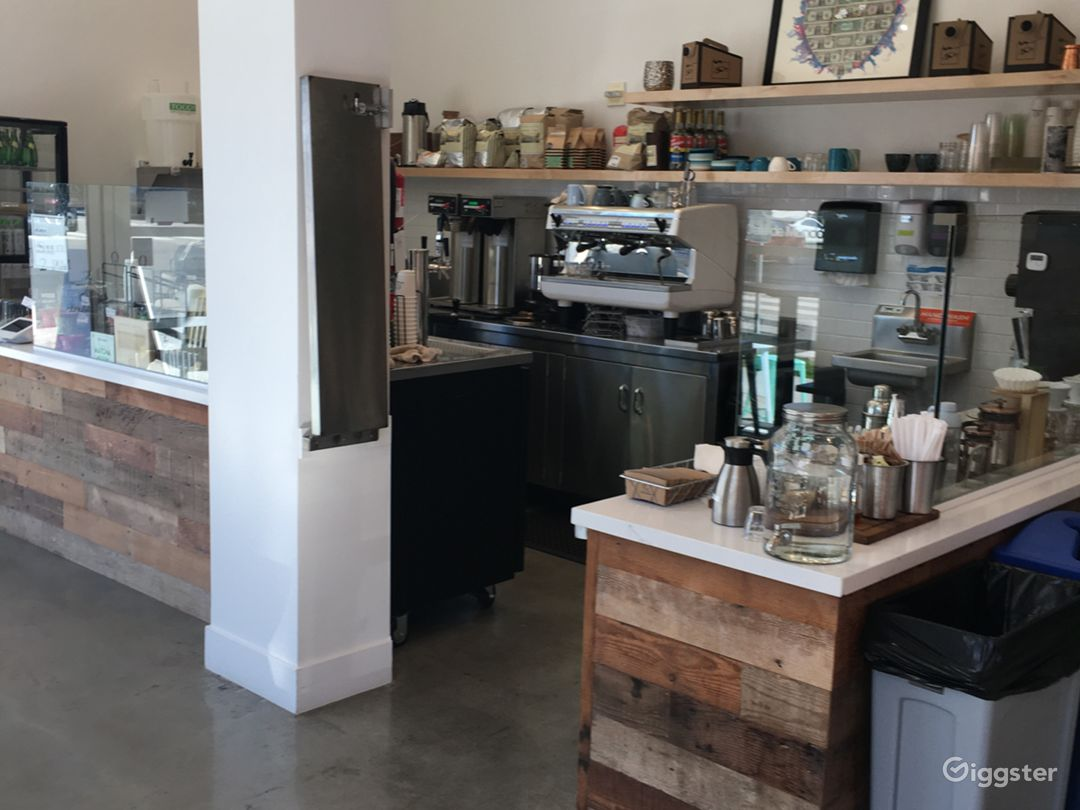Cute cafe/coffee shop in Santa Monica Photo 4