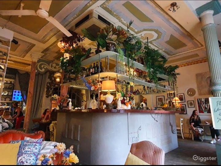 Welcoming Restaurant and Botanical Bar in London Photo 2