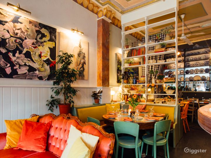 Welcoming Restaurant and Botanical Bar in London Photo 3