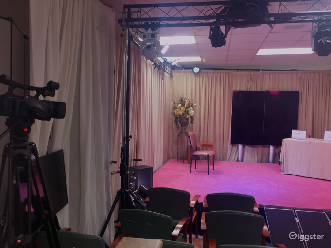 Local TV Talk Show Studio Photo 4