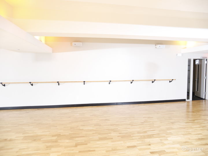 Ballet Room w/ Mirrored Walls in Financial District Photo 5