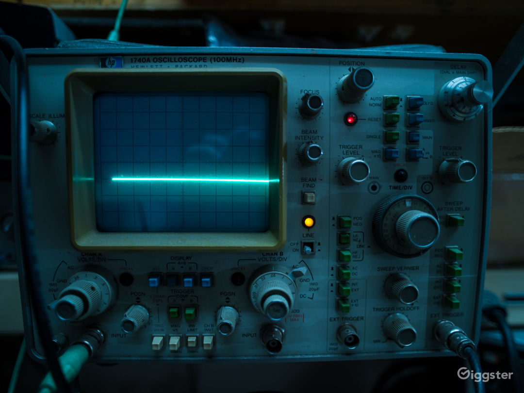 Working oscilloscope