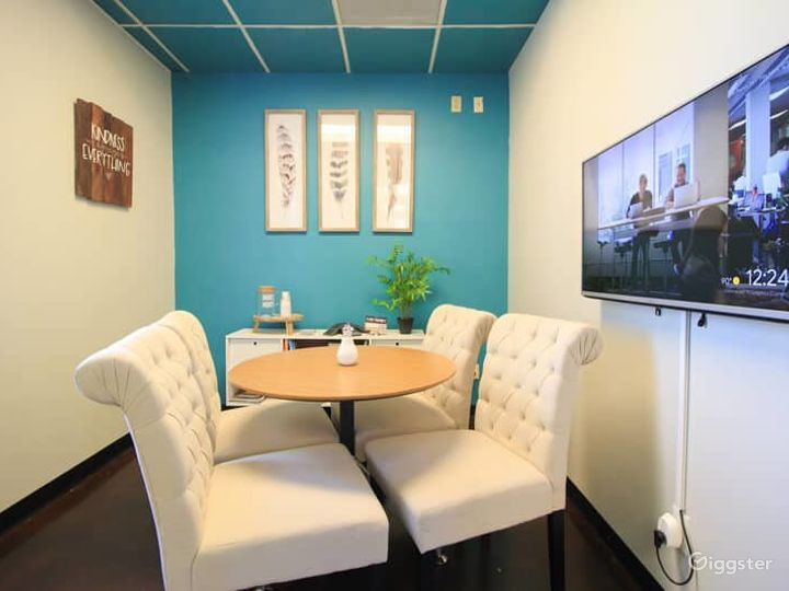 Comfortable Space for A Client Meeting - Blue Room Photo 2