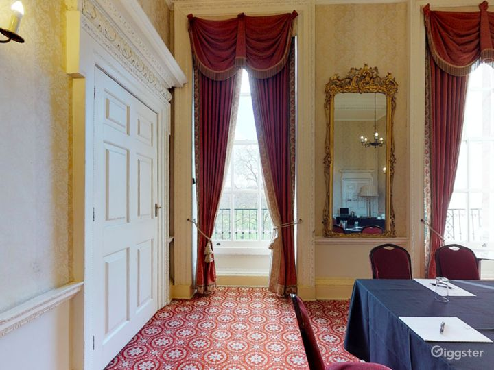 The Bennet-Clark Room in London Photo 3