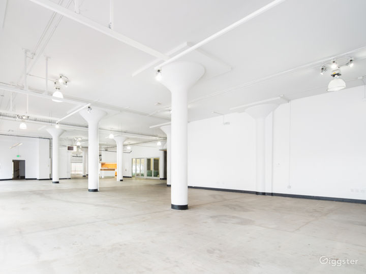 Stunning Downtown Showroom - 8,000 sq. ft. Photo 4