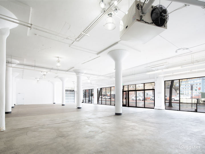 Stunning Downtown Showroom - 8,000 sq. ft. Photo 5