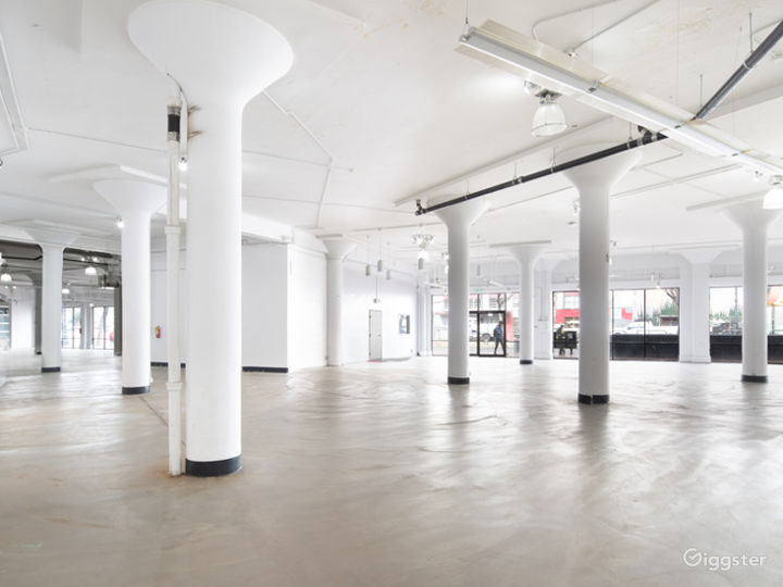 Stunning Downtown Showroom - 8,000 sq. ft. Photo 2