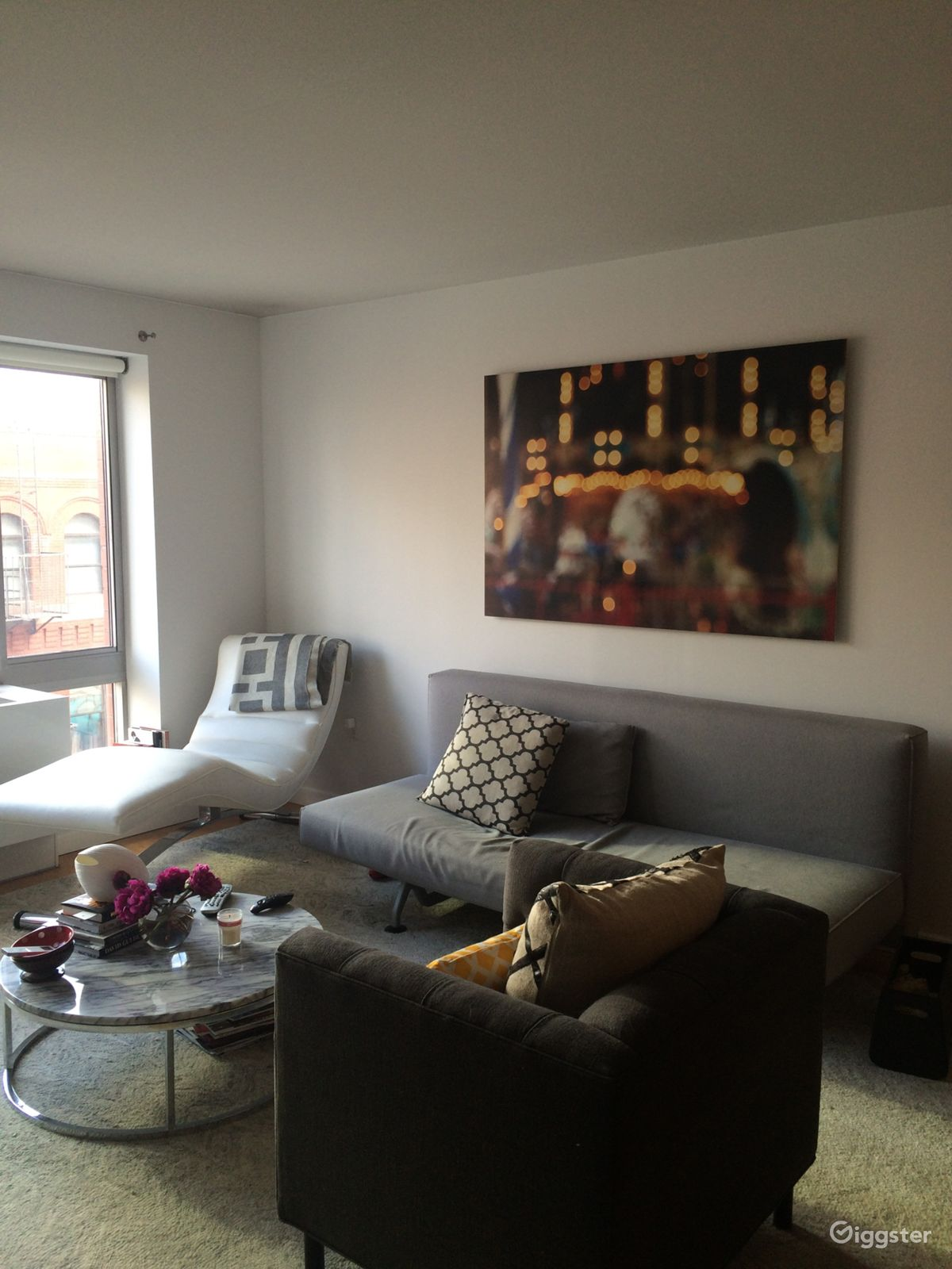 Rent Modern, bright, art-filled NYC apartment Apartment, Loft or ...