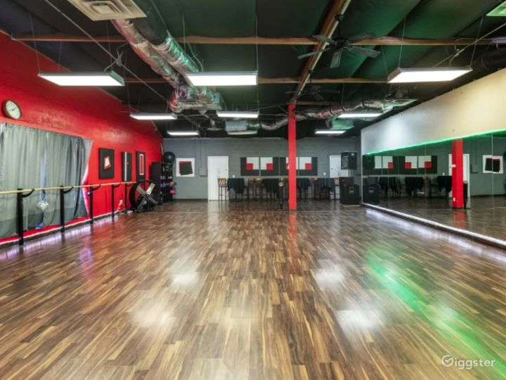 Open Dance Hall with Floor to Ceiling Mirrors Photo 4