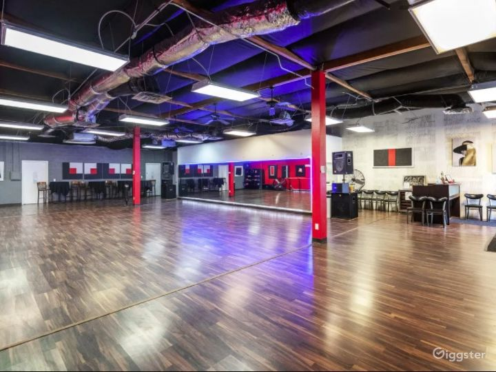 Open Dance Hall with Floor to Ceiling Mirrors Photo 5