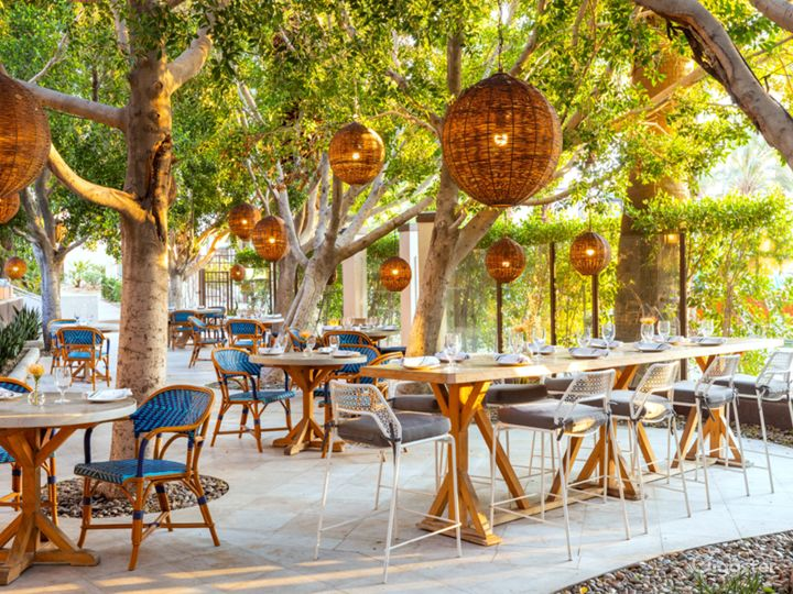 Come Monday Cafe - outdoor.