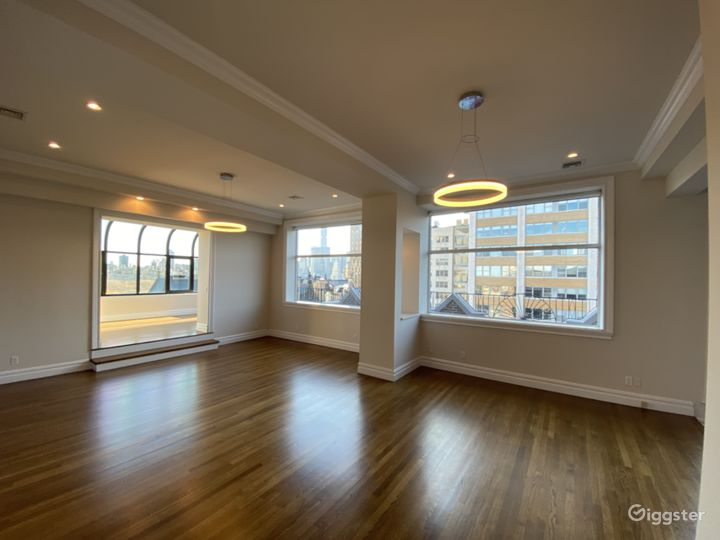 Upper West Side Penthouse with Glass Solarium Photo 2