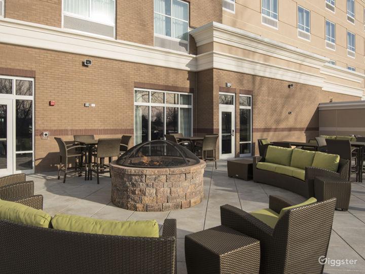 Outdoor Lounge & Patio Photo 2