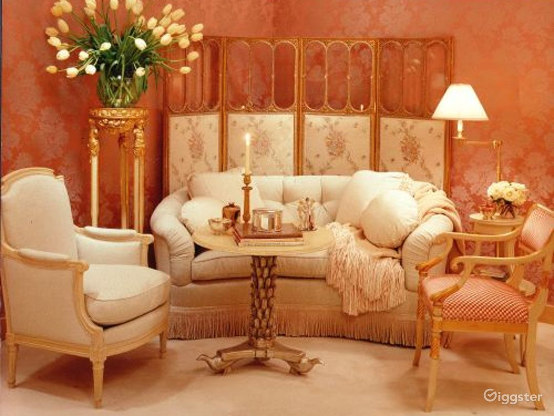 Ornate apartment: Location 2172 Photo 1